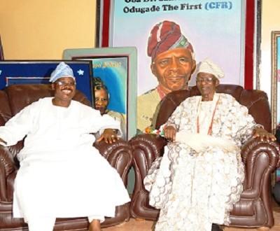 Late Olubadan with Oyo State Governor, Abiola Ajimobi